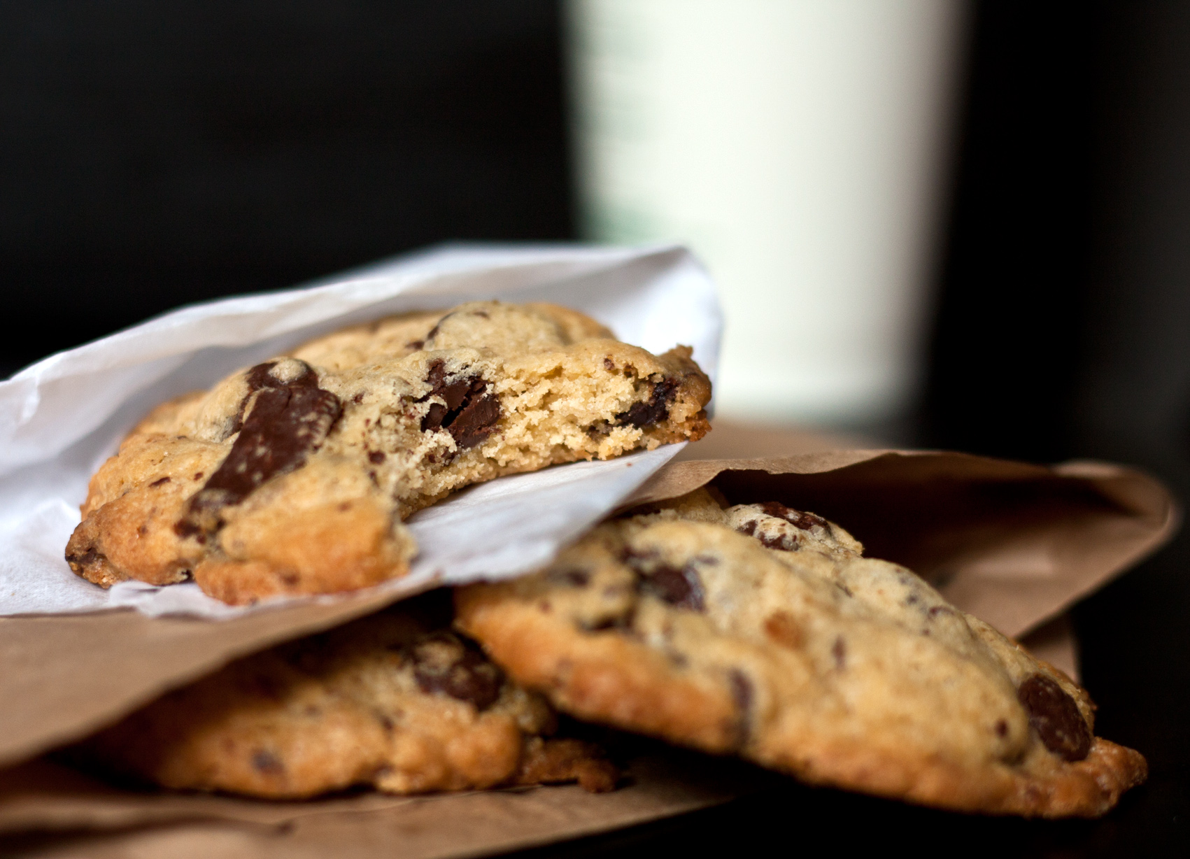 mrs-fields-chocolate-chip-cookie-2