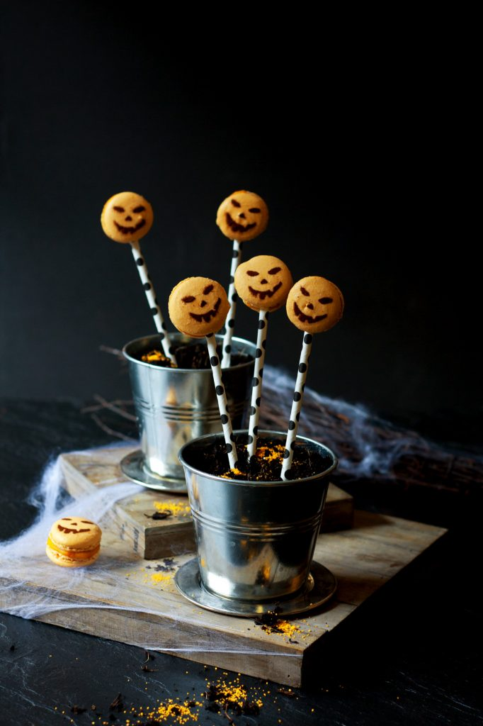 halloween_macarons_1