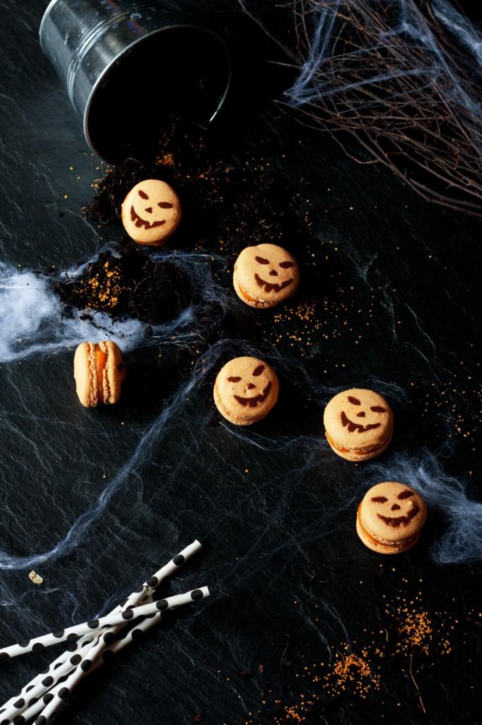 halloween_macarons_2