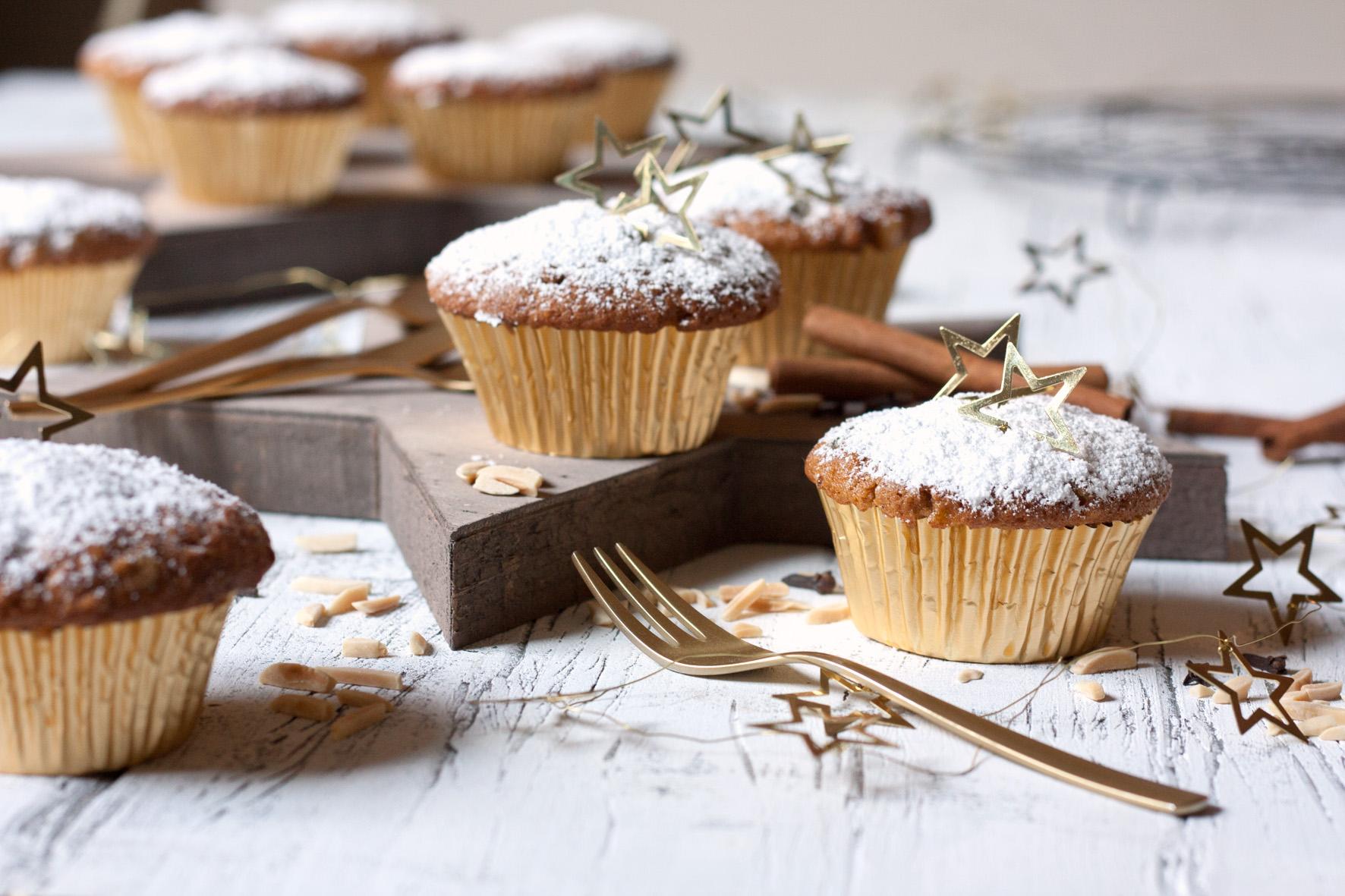 zum nikolaus und zweiten advent stollen muffins foodlovin 39. Black Bedroom Furniture Sets. Home Design Ideas
