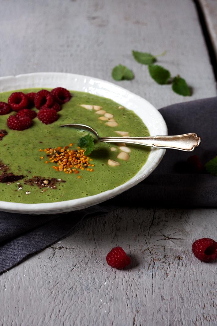 green-smoothie-bowl-anti-kater-1