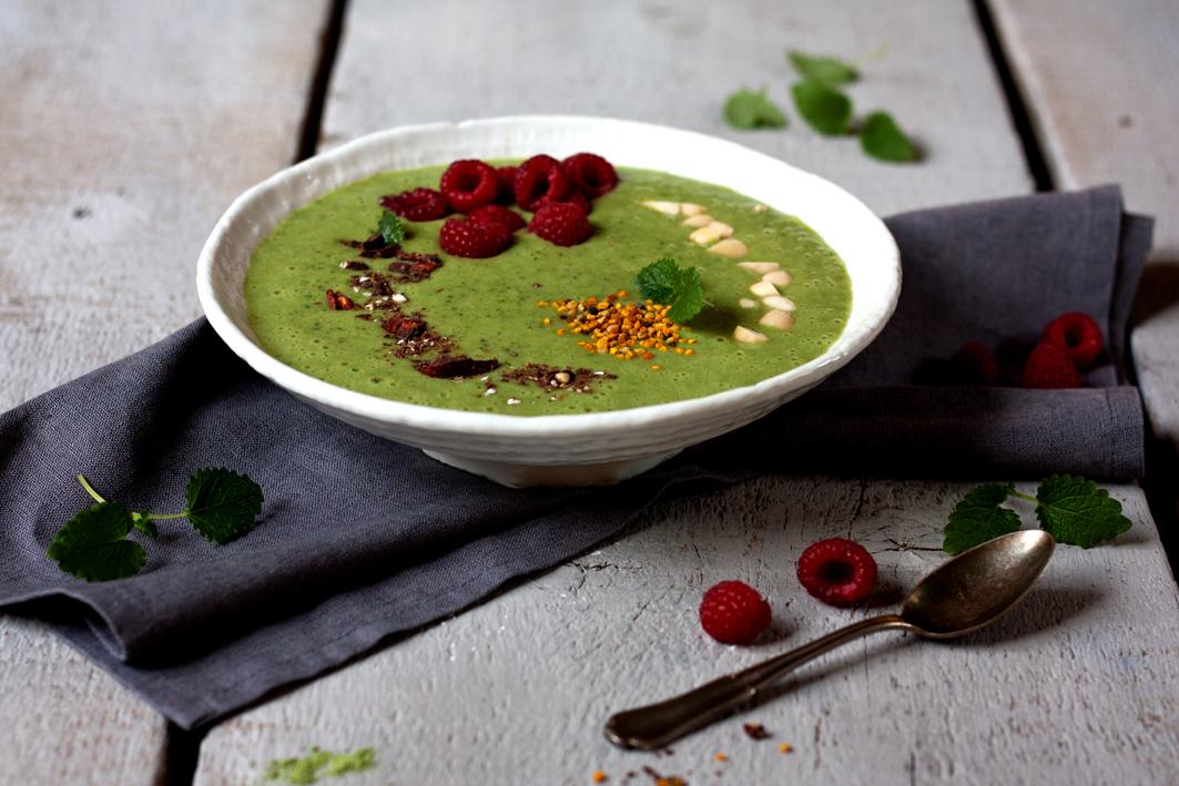 green-smoothie-bowl-anti-kater-3