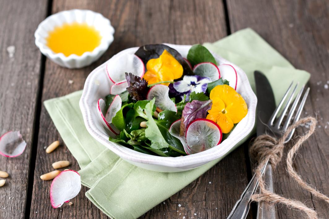 wildkräutersalat radieschen foodlovin
