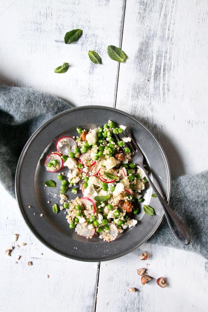 quinoa salat mit Radieschen und Kohlrabi