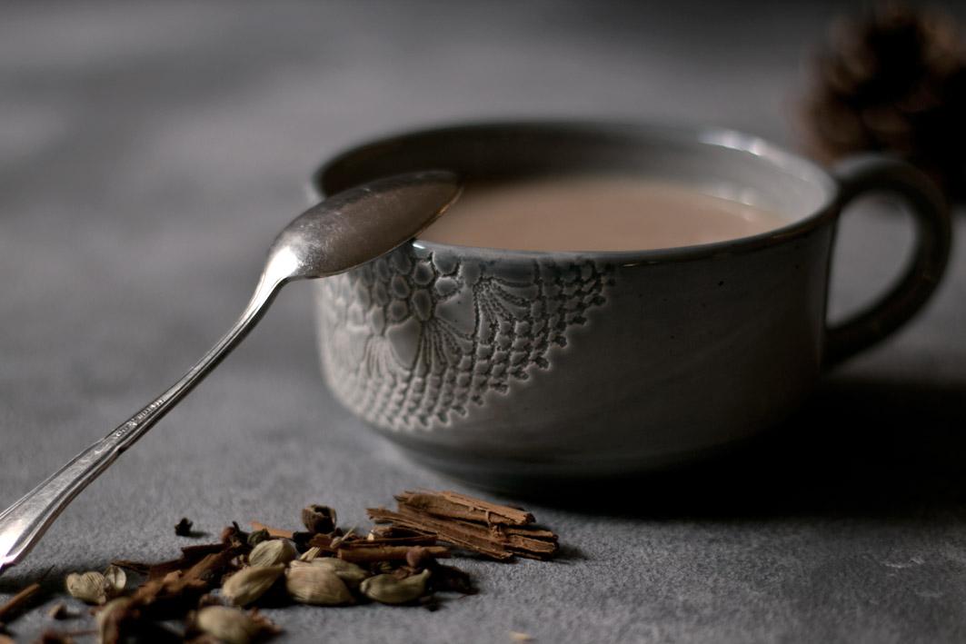chai latte tasse