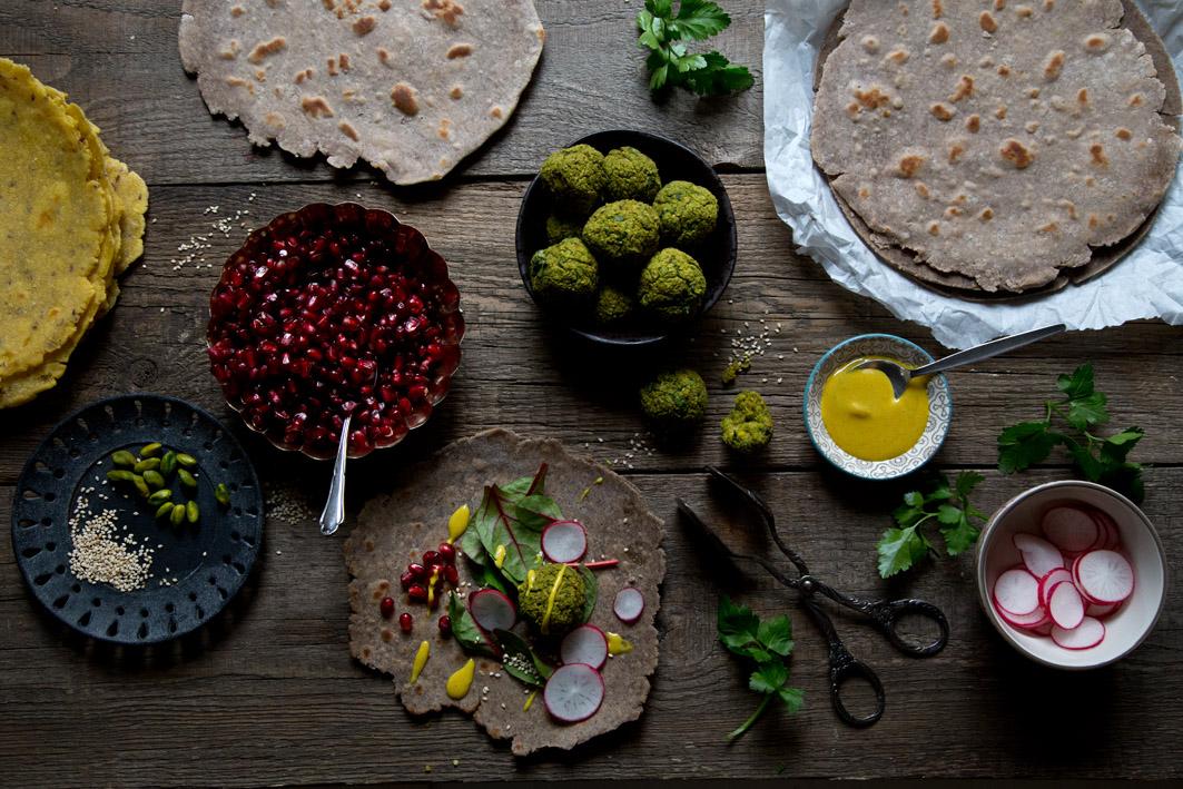 gefuellte buchweizen wraps mit falafel