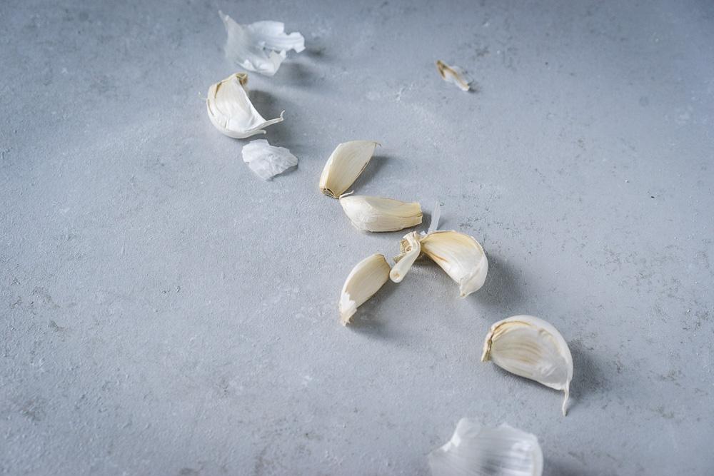 knoblauchzehen für pesto