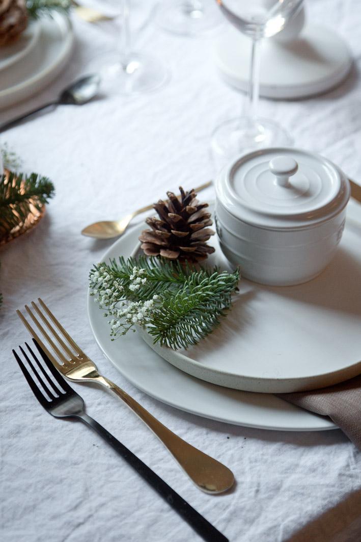 einfache und schnelle weihnachtsdekoration foodlovin 39. Black Bedroom Furniture Sets. Home Design Ideas