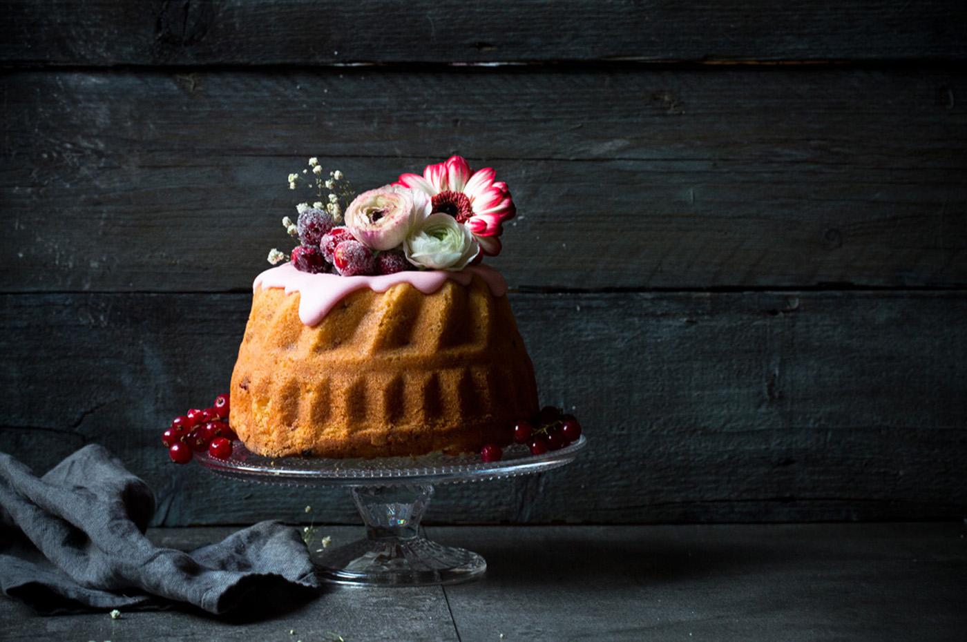 Cosmopolitan-Kuchen mit Cranberries und Wodka