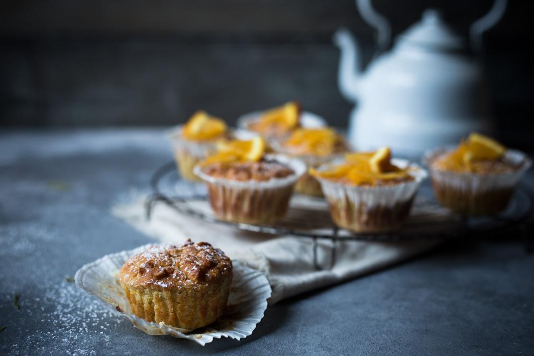 orangenmuffins mit frischen orangen