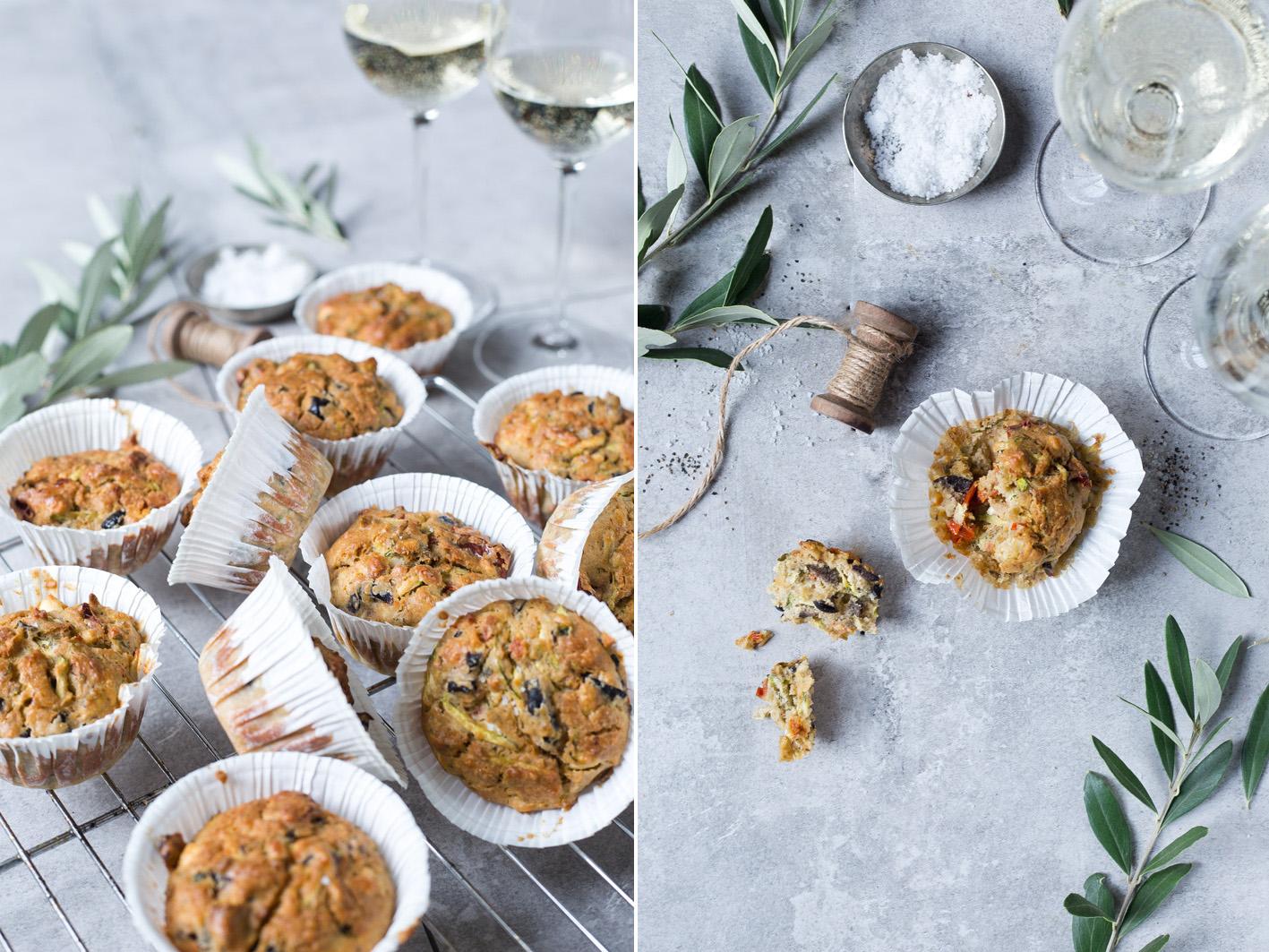 Herzhafte Muffins mit Oliven und Feta