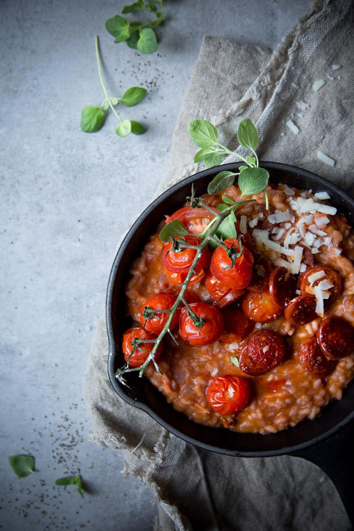 Risotto mit Tomaten und Chorizo
