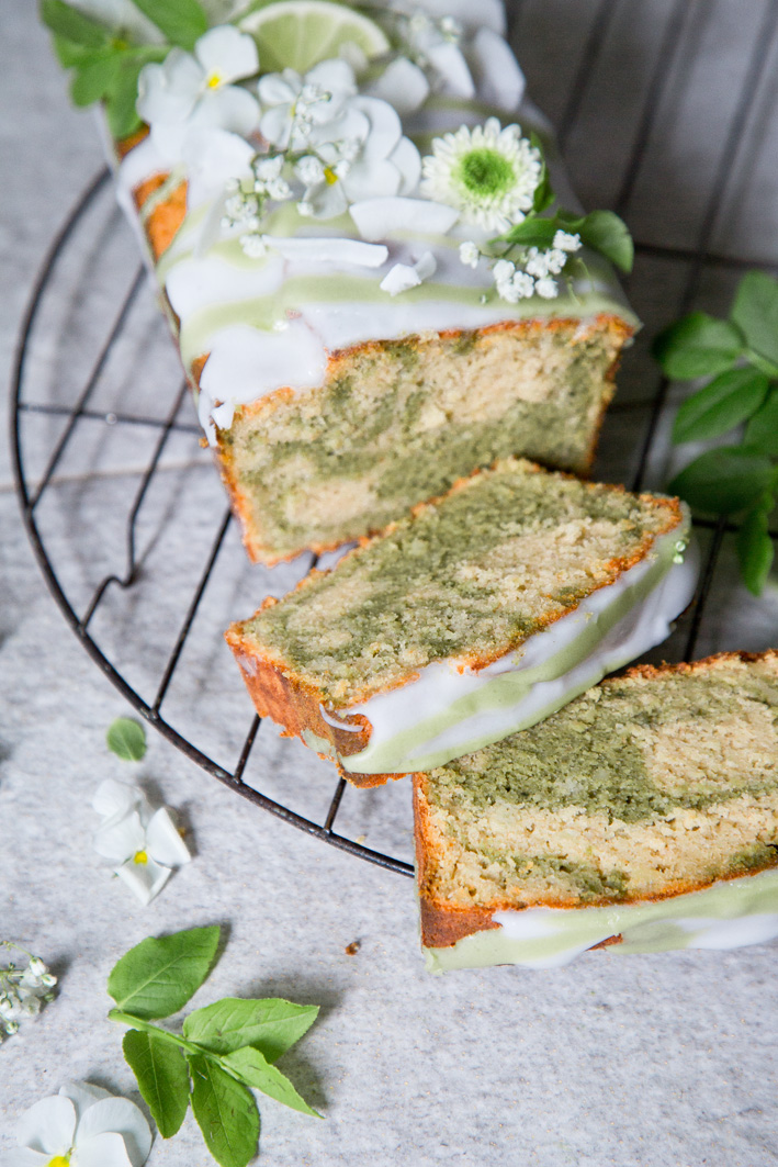 Saftiger Matcha Marmorkuchen (glutenfrei)