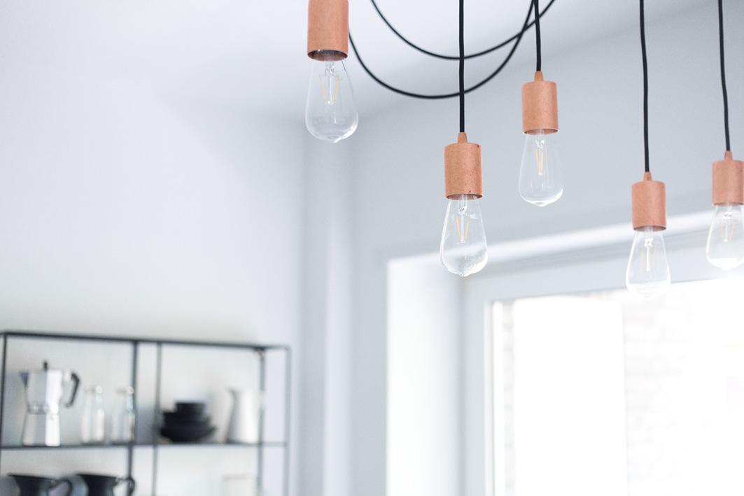 Lampe im Industrial Stil mit Edison Glühbirnen
