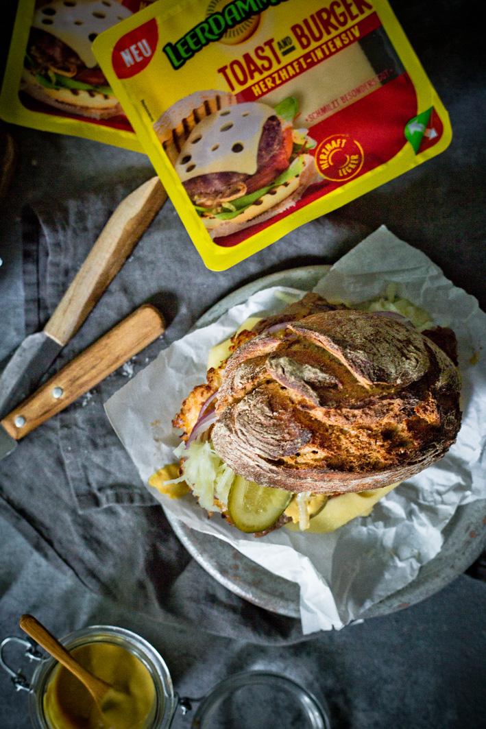 Burger mit Rostbraten