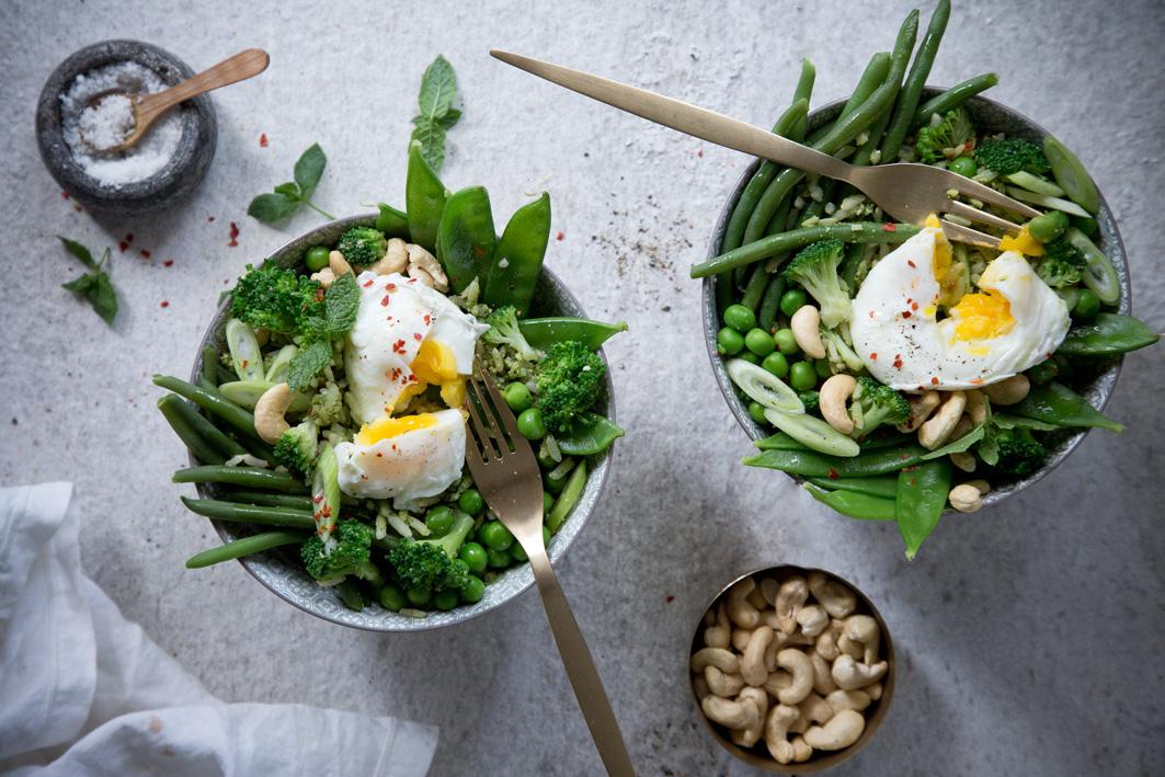 Reis Bowl mit grünem Gemüse