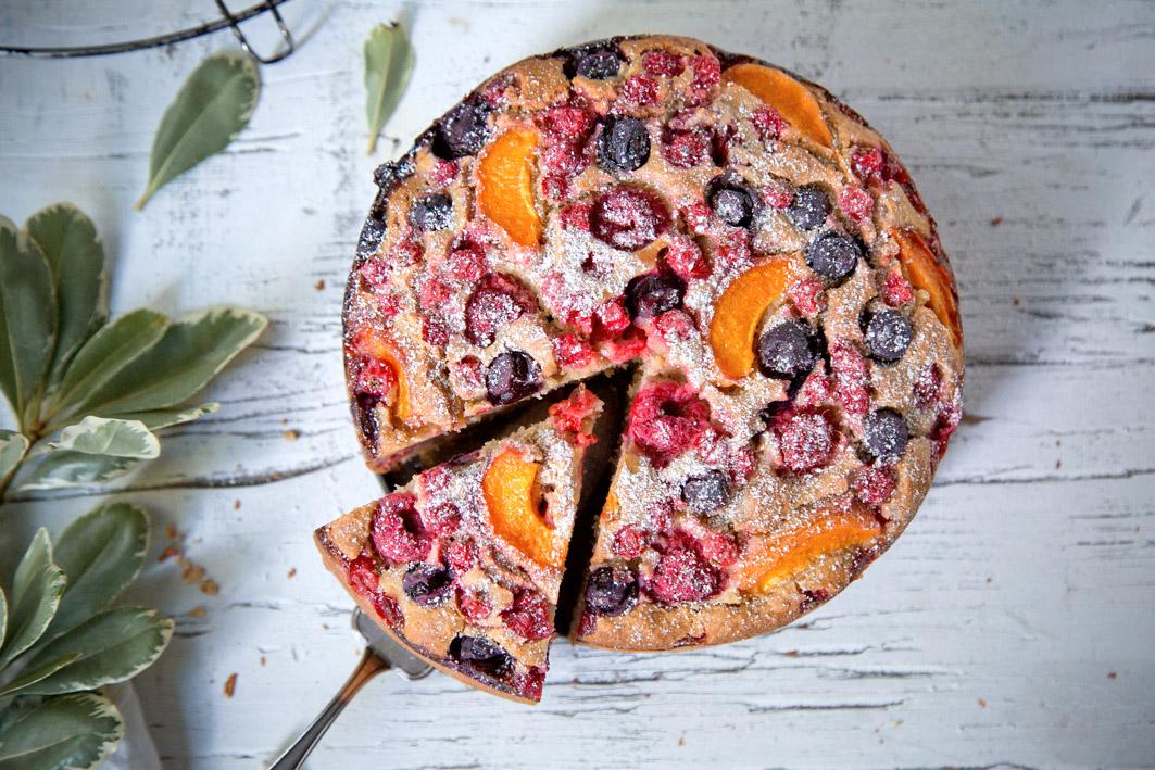 Sommerlicher Obstkuchen aus weniger als 10 Zutaten