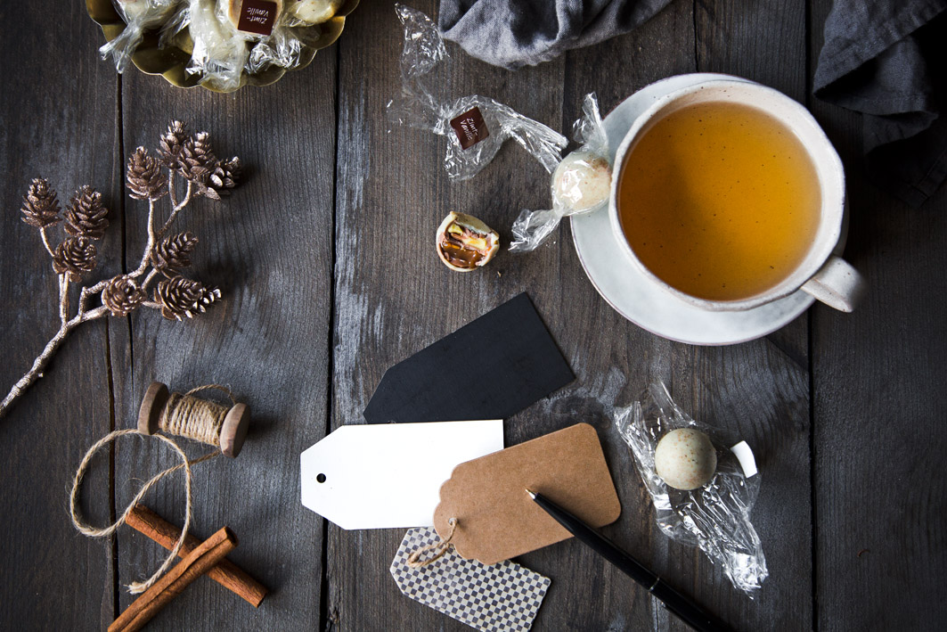 Teetasse mit Trüffeln