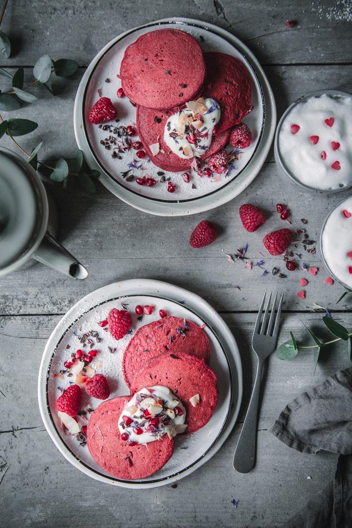 Rezept für gesunde Red Velvet Pancakes
