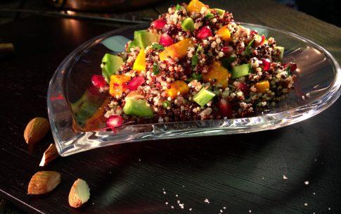 Bunter Quinoa-Kürbis-Salat