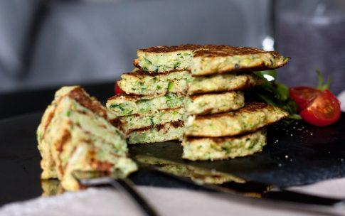 Knusprige Zucchini-Fritter