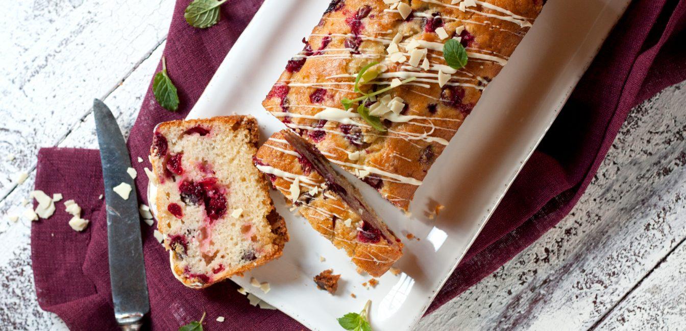 Zum ersten Advent: Cranberry Orangen Kuchen mit weißer Schokolade