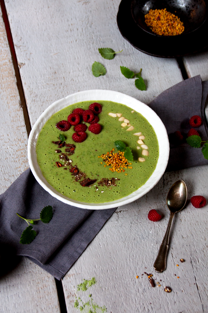green-smoothie-bowl-anti-kater-2