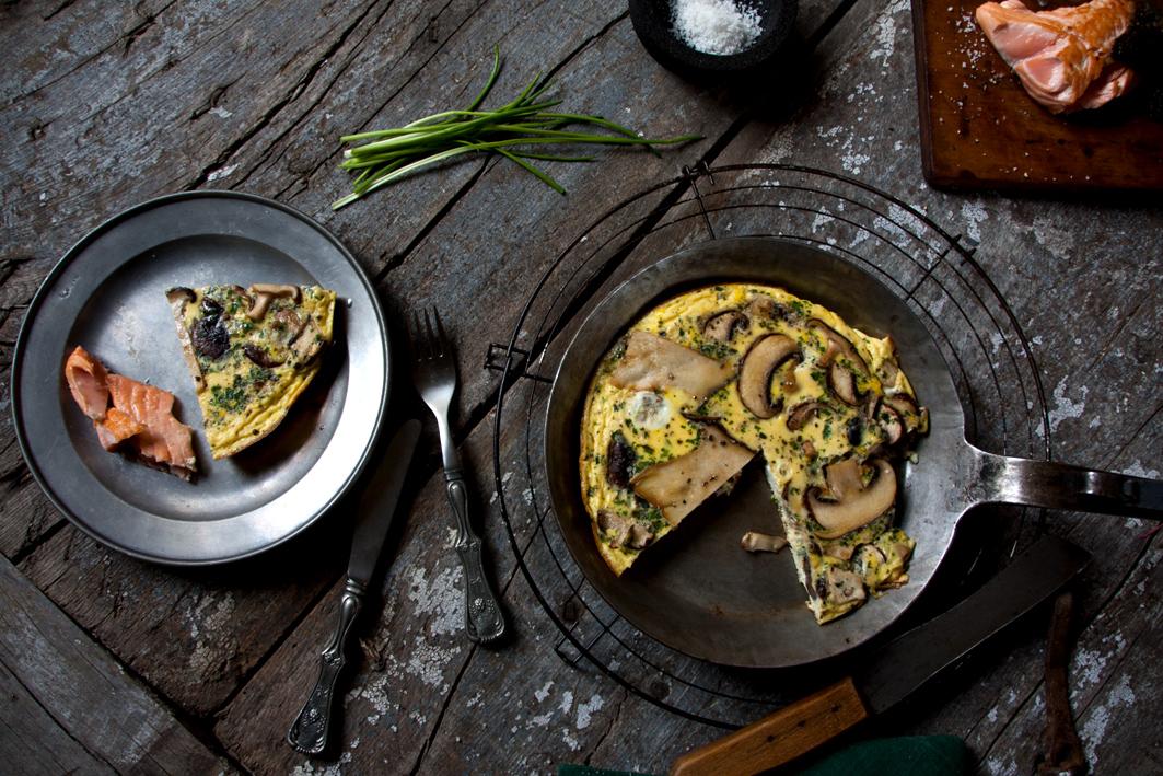 pilz omelette teller pfanne