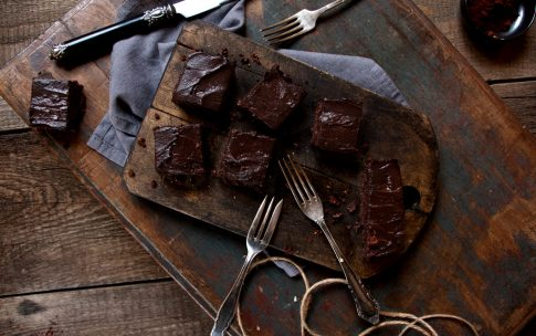 Raw Brownies mit veganer Schokocreme