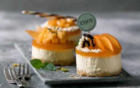 Bellini-Sorbet und Mango-Törtchen zu Silvester.