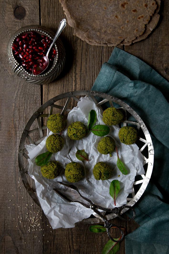 gruene falafel mit pistazien, Erbsen und spinat