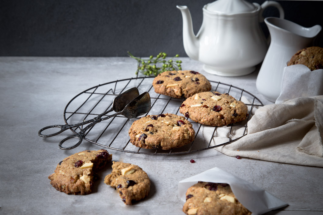 white chocolate chip cookie mit cranberries