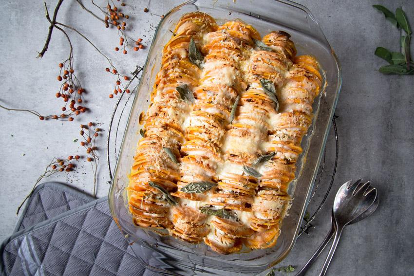 Süßkartoffel-Gratin mit Salbei.