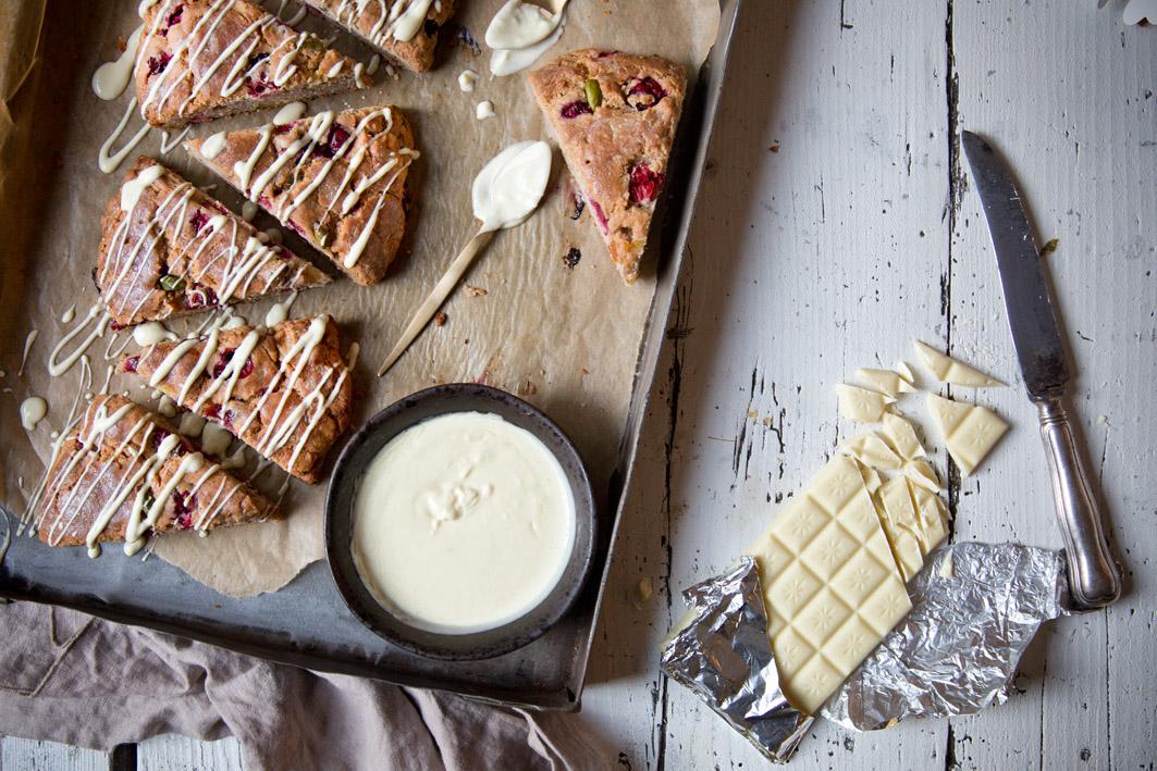 scones mit weißer schokolade