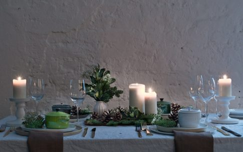 Festlich gedeckter Tisch in 5 Minuten – einfache und schnelle Weihnachts-Deko.