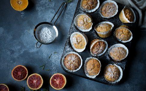 Saftige Orangen-Joghurt-Muffins mit gesunden Zutaten.