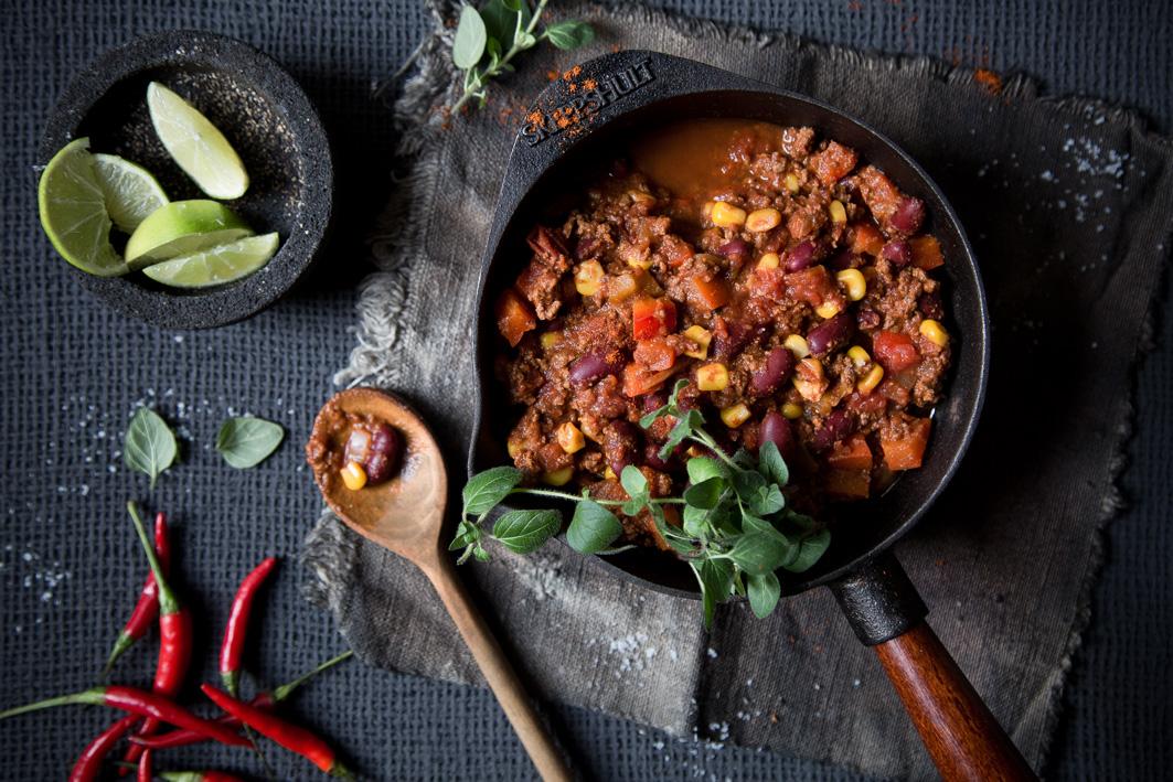 Einfaches und schnelles Rezept für Chili con Carne mit Bohnen und Mais