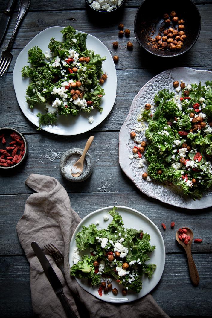 Superfood Salad mit Grünkohl und Gojibeeren
