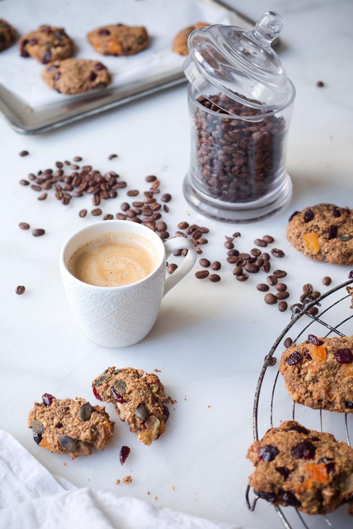 Gesunde Müsli Cookies zum Kaffee