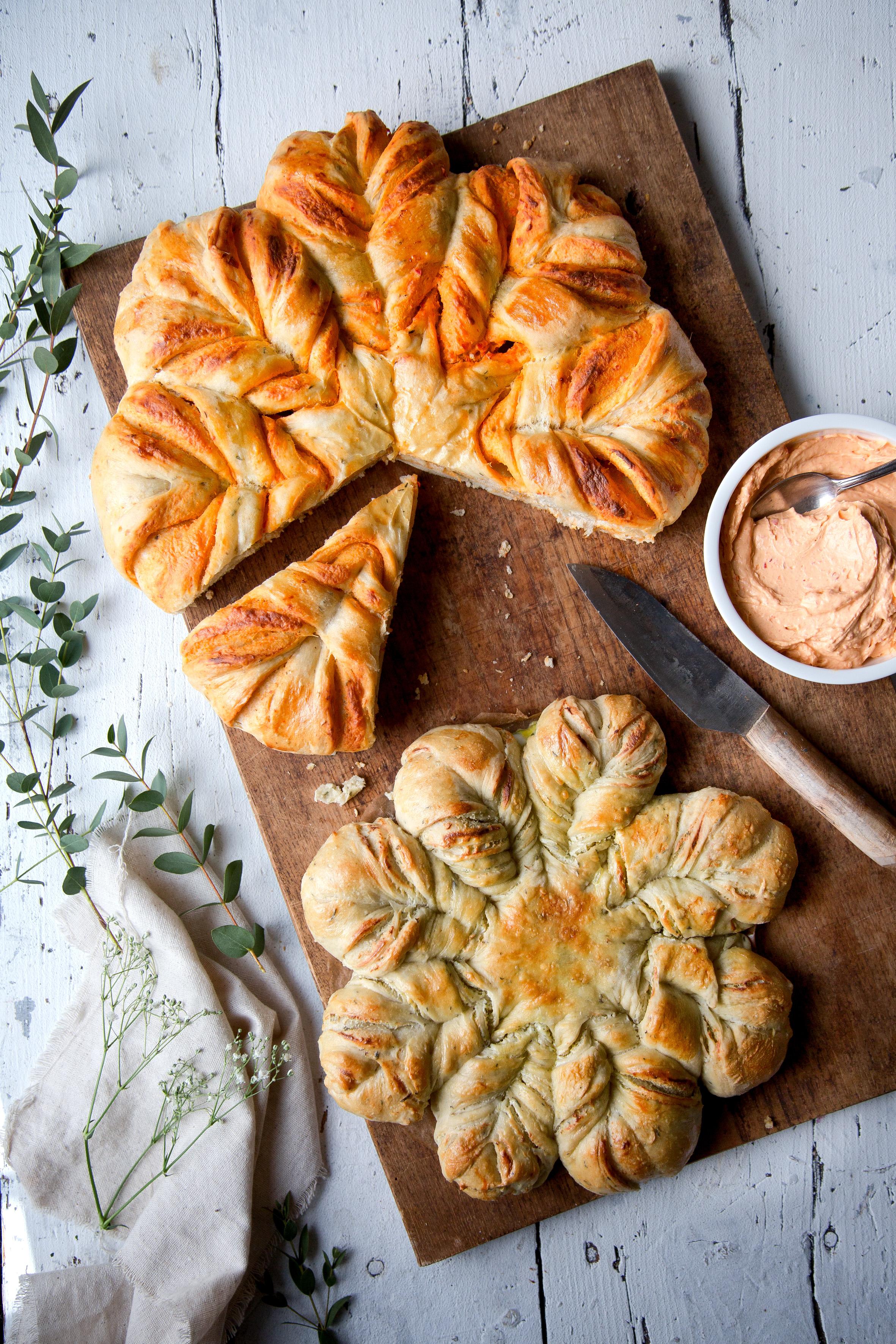 Rezept für Brotblumen mit Paprikafüllung