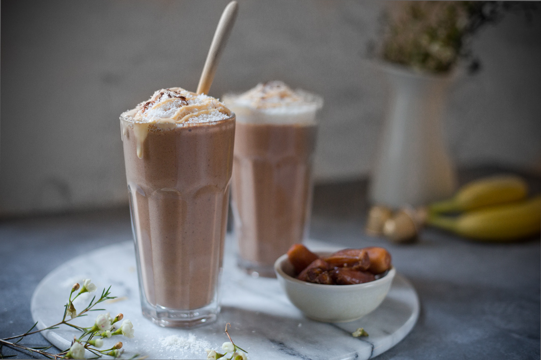 Coffee Smoothie mit Datteln und Banane