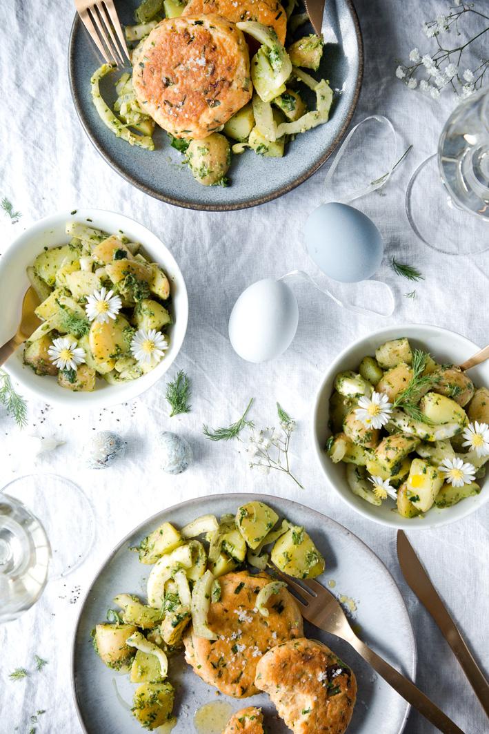 Lachsfrikadellen mit Kartoffel-Mangold-Salat