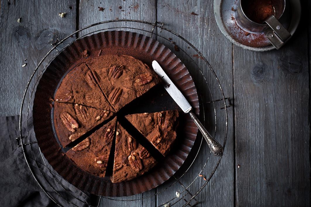 Feiner Schokoladen-Dattel-Kuchen – ohne Zucker!