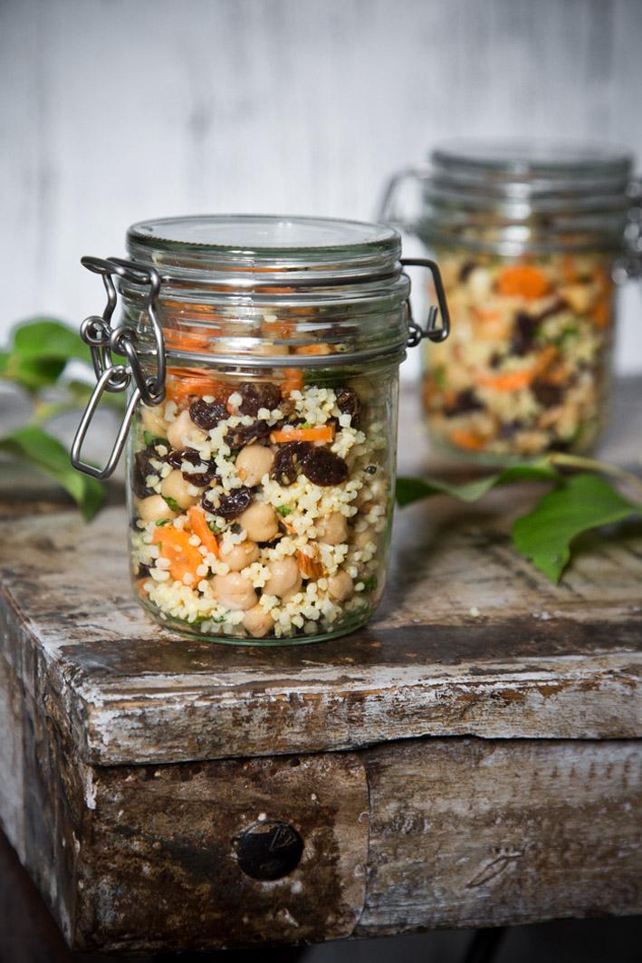 Hirsesalat mit Kichererbsen zum Mitnehmen