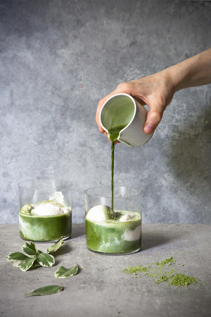 Matcha Affogato: grüner Tee mit Vanille-Eis
