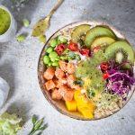 Poke Bowl mit Lachs und Kiwi