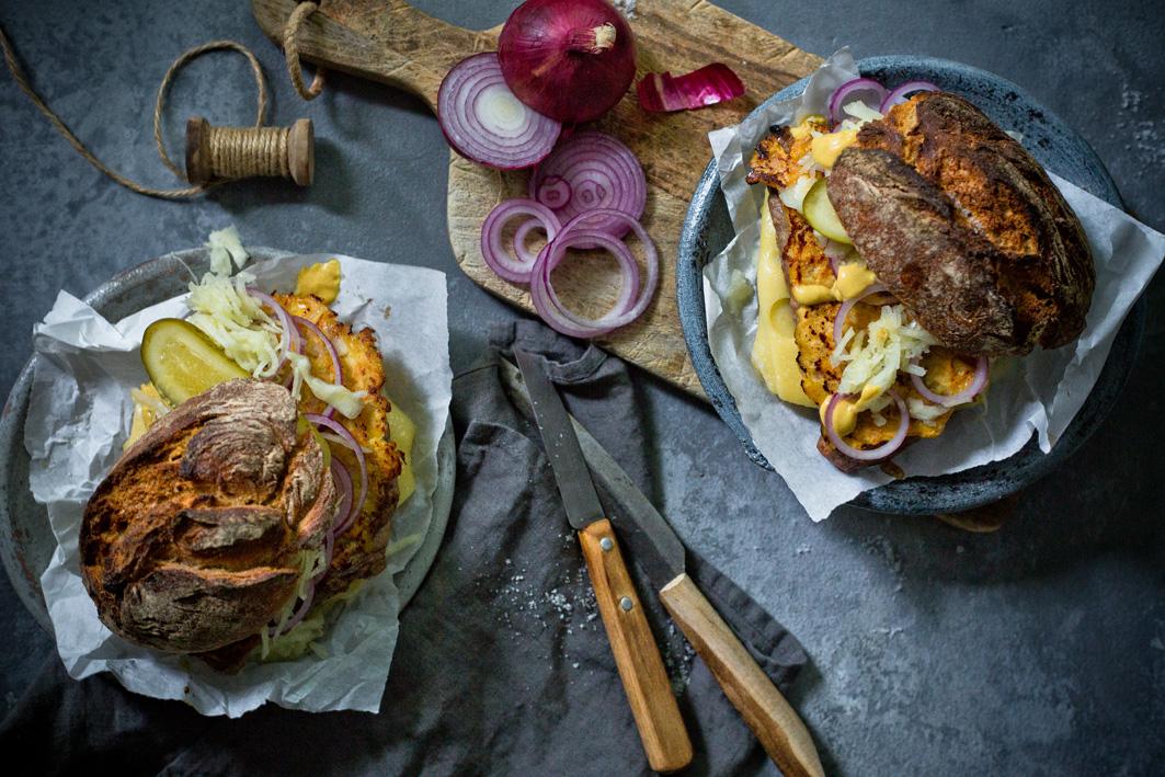 Steak Burger mit Senfsauce