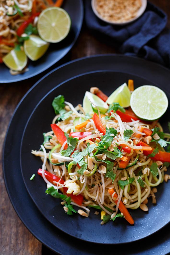 Pad-Thai mit Zucchini Nudeln und Gemüse