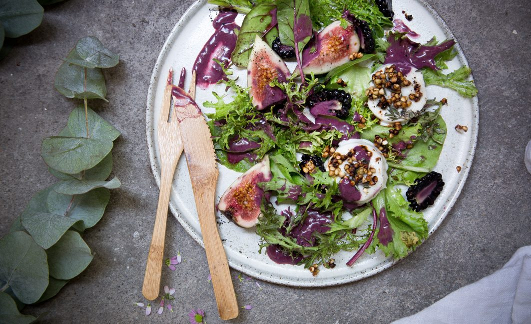 Brombeer-Salatdressing – Für einen Salat mit gebackenem Ziegenkäse und knusprigem Buchweizen.