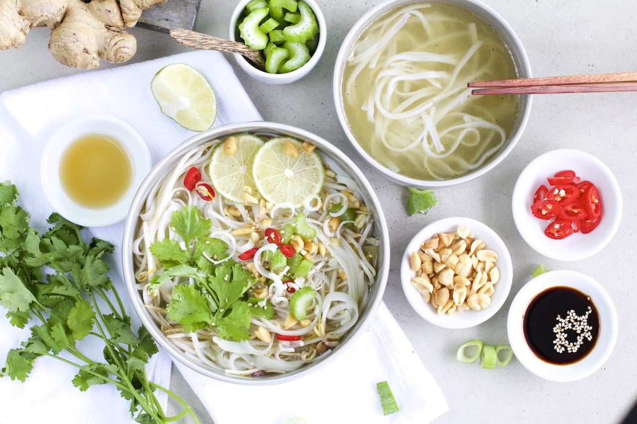 Schnelle Thai Nudelsuppe